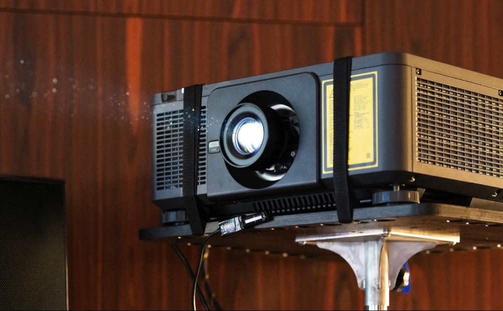 prenosny-projektor
